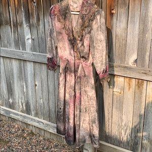 👻🎃💀 Zombie ghost ghoul vintage destructed dress